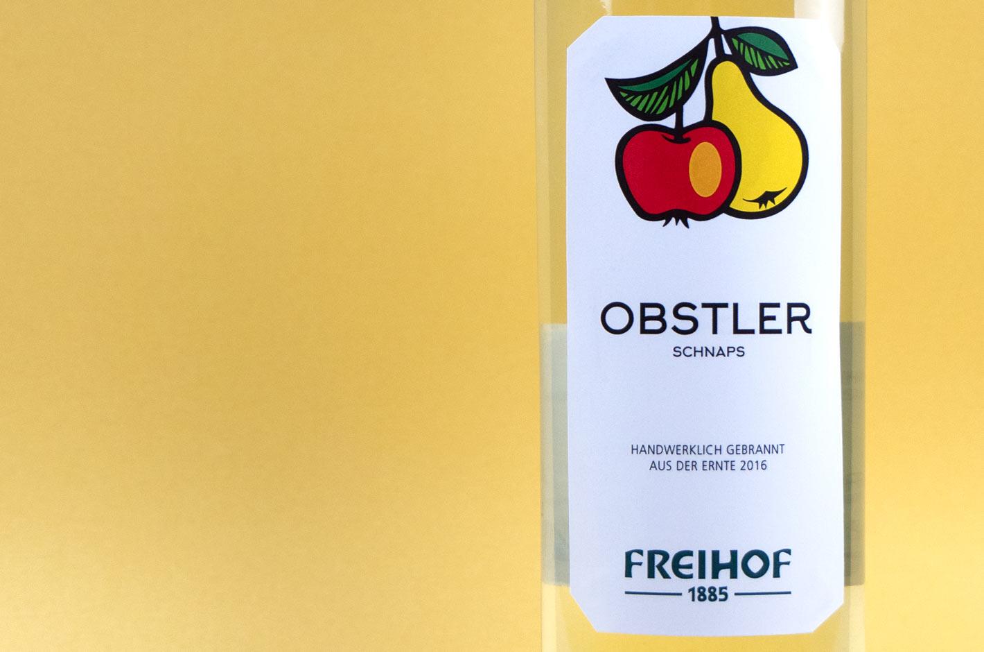 Freihof Obstler Schnaps Etikett Nahaufnahme
