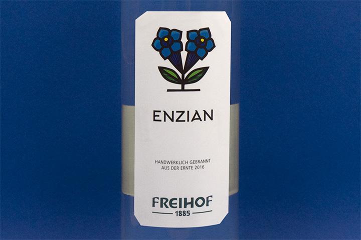 Freihof Enzian Schnaps Etikett Nahaufnahme